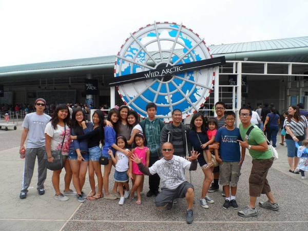 seaworld w/ fam by RyanAvelino