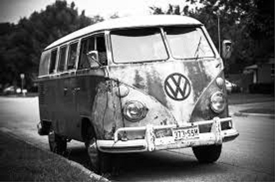 Volkswagen Bus by RyanAvelino