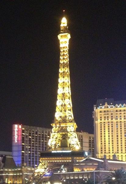 Eiffel Tower in Vegas by RyanAvelino