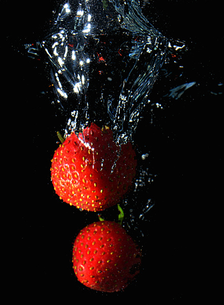 Strawberry splash by MikeGoffin