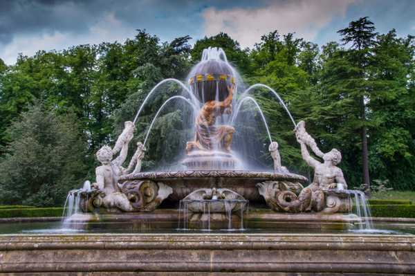 Fountain by MikeGoffin
