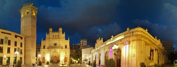 Fadrí, Concatedral, Mercado Central by Henner Stollberg