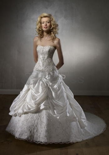 Strapless-Wedding-Dresses-beautiful-splendid-fashionable-strapless-wedding-dresses-bmz_cache-4-4dd4fb5ad1d29c1560cb6cb43a74e1e6.