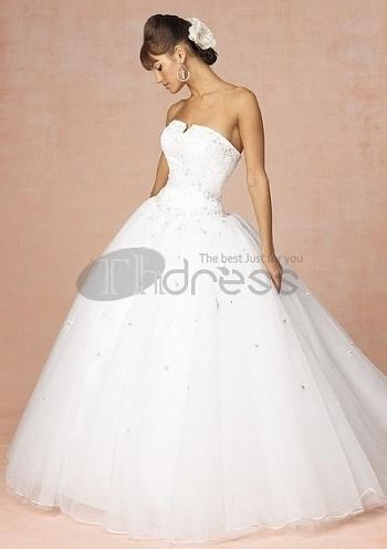 Strapless-Wedding-Dresses-custom-made-hot-sell-simple-strapless-wedding-dresses-bmz_cache-5-55c62416f7a5e72570359cee2c1fd596.ima by RobeMode