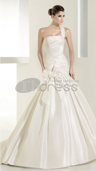 Strapless-Wedding-Dresses-satin-straight-ruffled-bodice-strapless-wedding-dresses-bmz_cache-a-a40fdc8ab81782c964162dec7dac753a.i by RobeMode