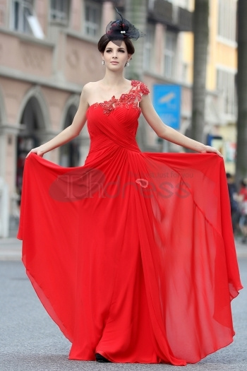 Dresses-in-Stock-Shoulder-lace-beaded-red-evening-dress-bmz_cache-a-a8d552e75c9d11568bffc79421a6f2eb.image.350x525 by RobeMode