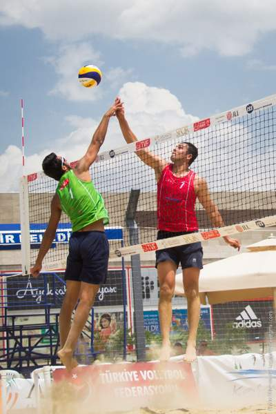 TVF Pro Beach Tour 2014 - Ankara, High five