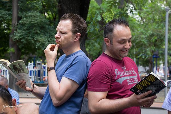 Yasemin Önder_Kitap Ağacı, Kurtuluş Parkı, Pazar 22-06-14_18 by Mike van der Lee