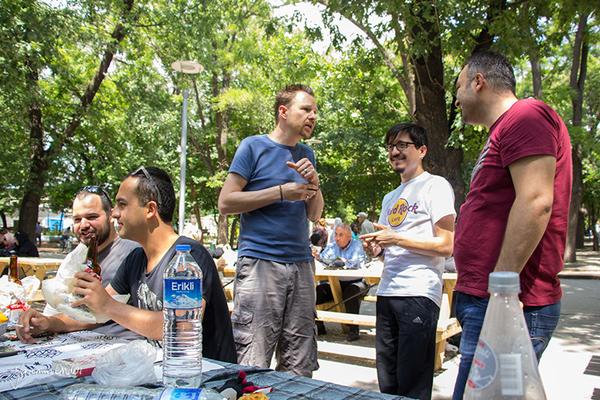 Yasemin Önder_Kitap Ağacı, Kurtuluş Parkı, Pazar 22-06-14_22