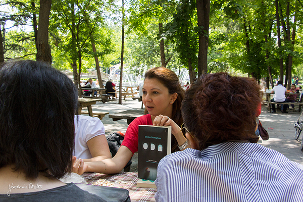 Yasemin Önder_Kitap Ağacı, Kurtuluş Parkı, Pazar 22-06-14_26 by Mike van der Lee