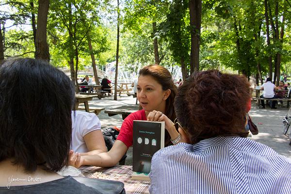 Yasemin Önder_Kitap Ağacı, Kurtuluş Parkı, Pazar 22-06-14_26