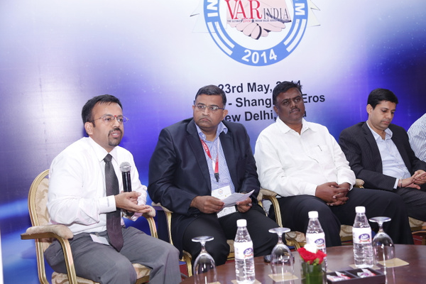 aneeshdhawan-rameeshkailasam-kmohanraja-ashish-kapahi-at-panel-discussion-12th-varindia-it-forum by Varindia