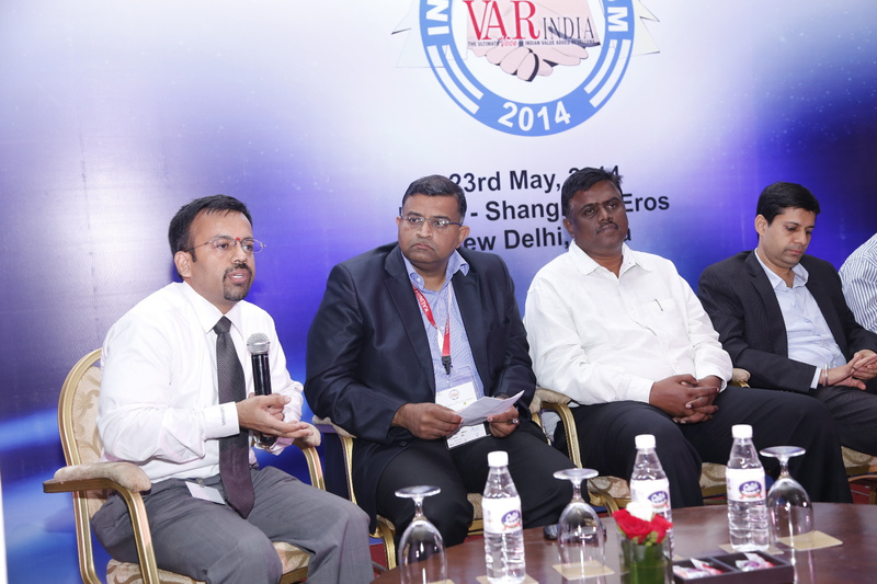 aneeshdhawan-rameeshkailasam-kmohanraja-ashish-kapahi-at-panel-discussion-12th-varindia-it-forum