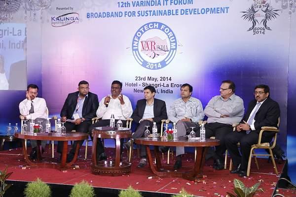 aneeshdhawan-rameeshkailasam-kmohanraja-ashish-kapahi-harolddcosta-hpsbawa-mukulmathur-at-panel-discussion-12th-varindia-it-foru