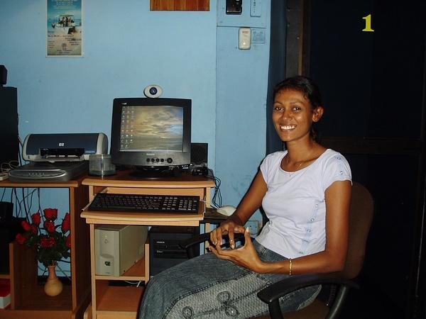 Lanka2005-5 by RodBoakes