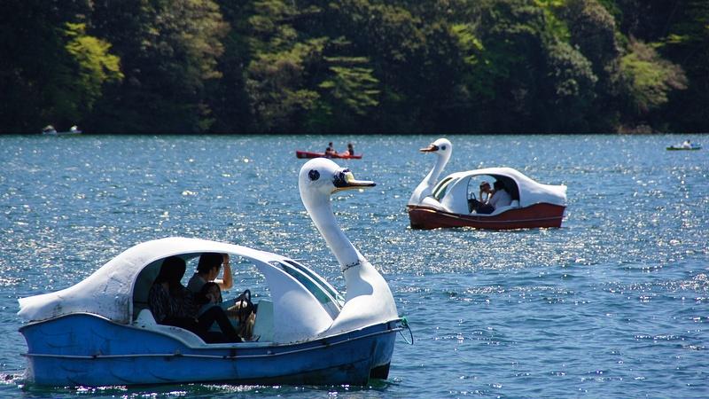 Enjoying the lake - Hakone
