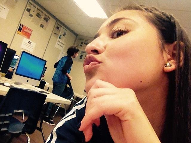ariel loves kisses