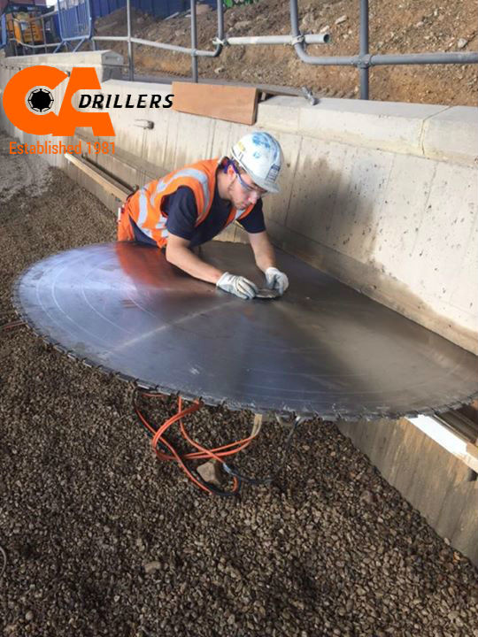 blade_to_cut_concrete_CA_Drillers
