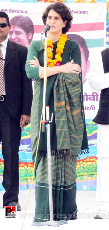 Latest Photos of Priyanka Gandhi (9)