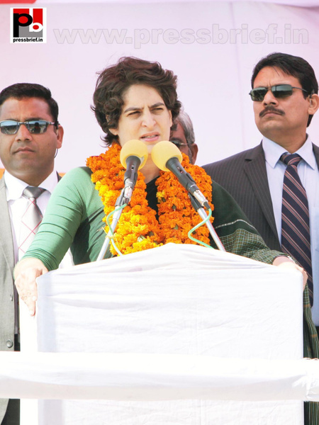Latest Photos of Priyanka Gandhi (11) by Pressbrief In