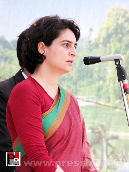 Latest Photos of Priyanka Gandhi (18) by Pressbrief In