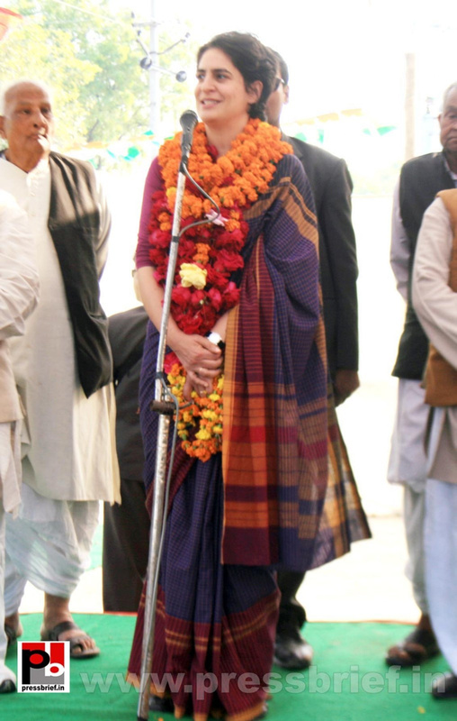 Latest Photos of Priyanka Gandhi (17)