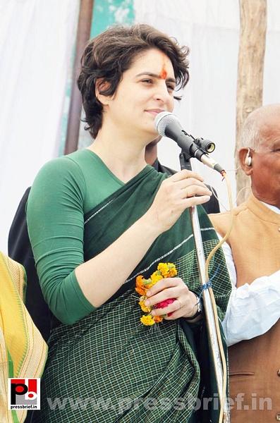 Latest Photos of Priyanka Gandhi (26) by Pressbrief In