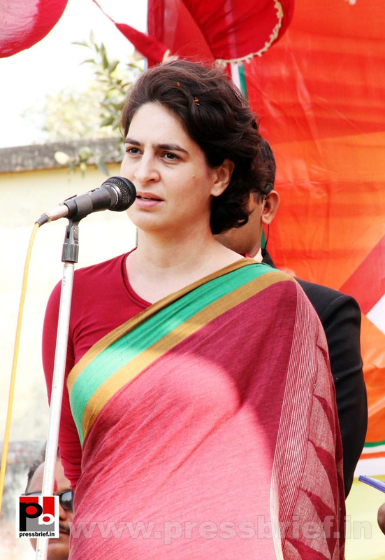 Priyanka Gandhi Photos (9)