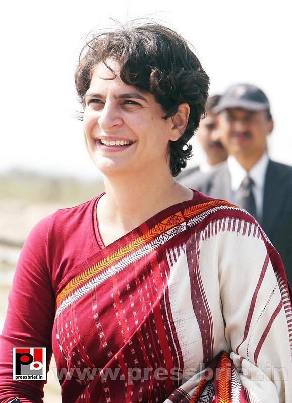 Latest photos of Priyanka Gandhi (5)