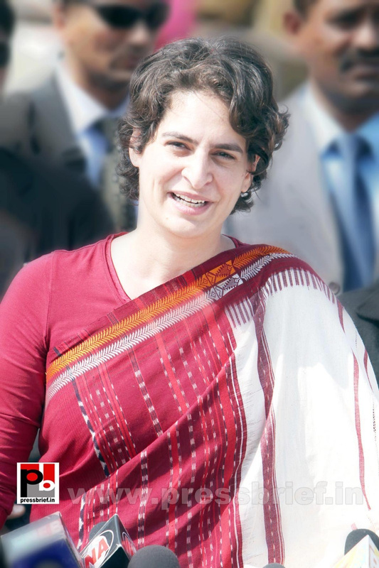 Latest photos of Priyanka Gandhi (4)