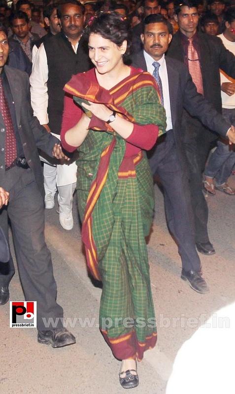Priyanka Gandhi new photos (32)