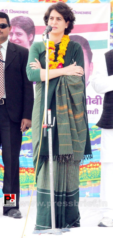 Priyanka Gandhi new photos (26)