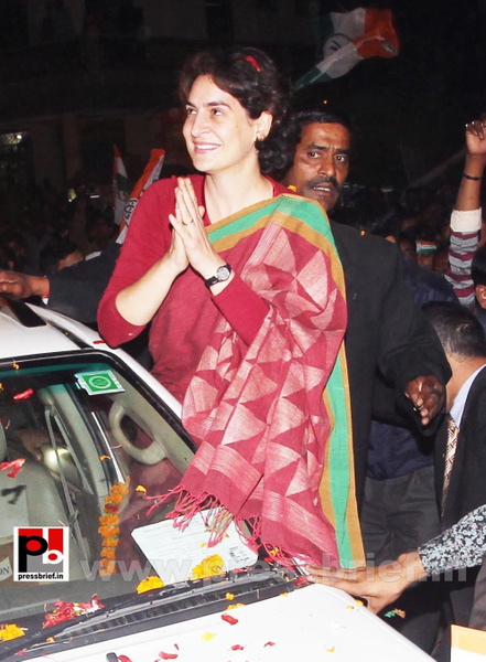 Congress star campaigner Priyanka Gandhi (15) by...
