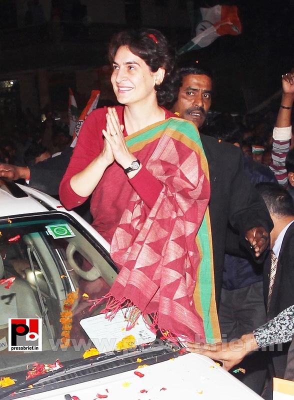 Congress star campaigner Priyanka Gandhi (15)