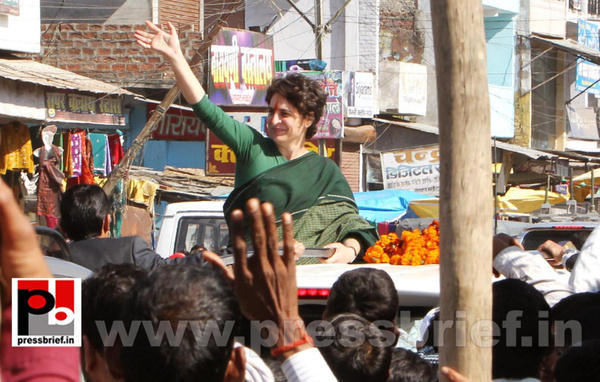 Congress star campaigner Priyanka Gandhi (14) by...