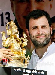 Rahul Gandhi in Aligarh; seeks support for Congress