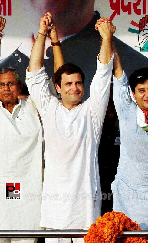 Rahul Gandhi campaigns in Madhya Pradesh (6)
