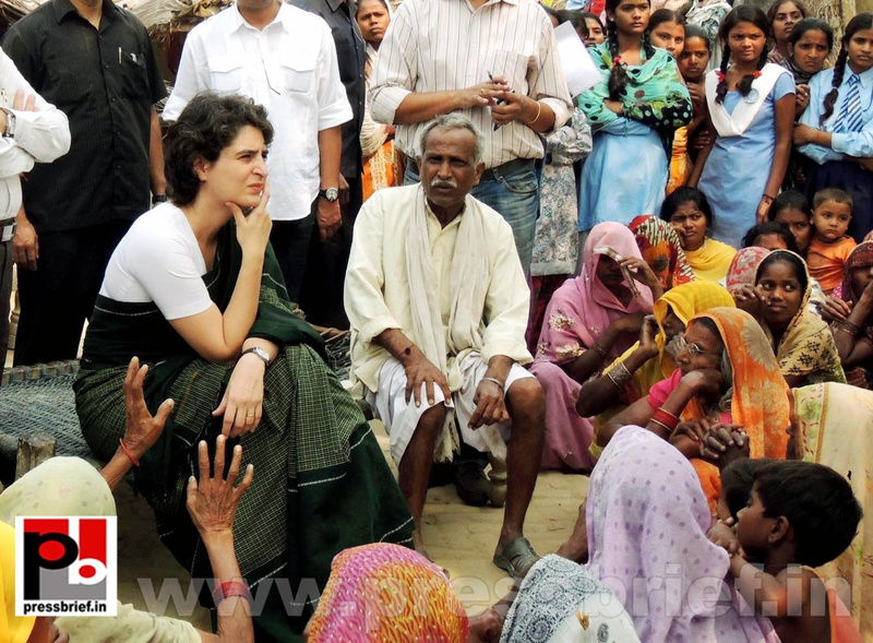 Priyanka Gandhi visits Raebareli (1)