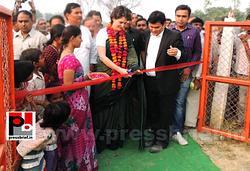 Priyanka Gandhi visits Raebareli