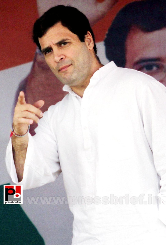 Rahul Gandhi on a two-day visit to J&K (3)