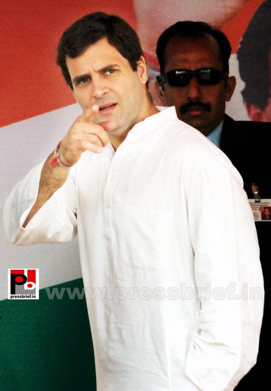 Rahul Gandhi on a two-day visit to J&K (4)