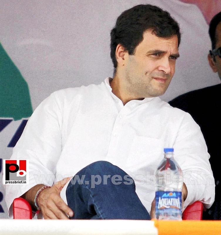 Rahul Gandhi on a two-day visit to J&K (5)