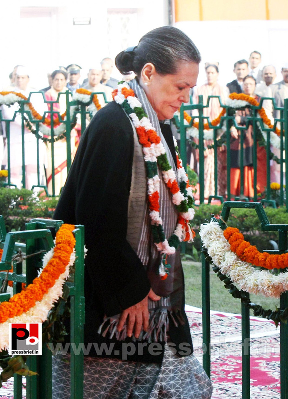 Sonia Gandhi at Congress' 128th foundation day function (2)