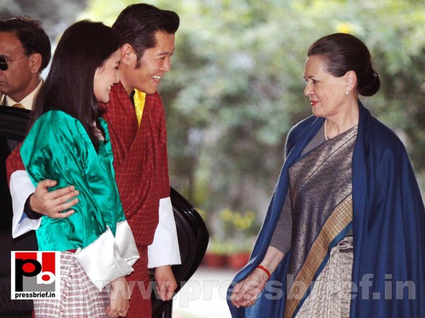 Sonia Gandhi with Butan King  (2) by Pressbrief In