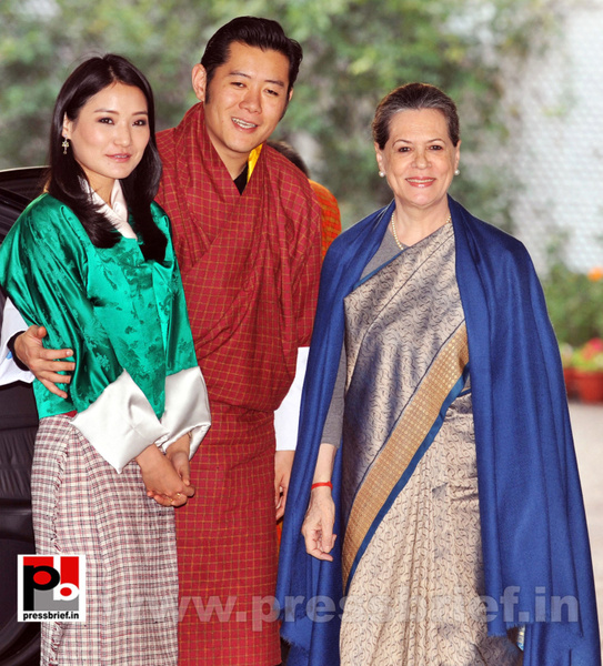 Sonia Gandhi with Butan King  (1) by Pressbrief In