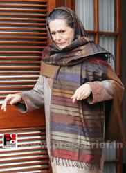 Sonia Gandhi offers 'chadar' for Dargah Kaliyar Sharif