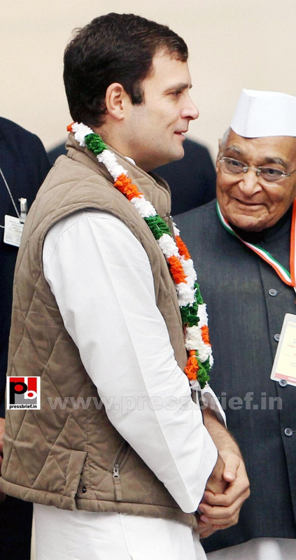Rahul Gandhi at AICC session in New Delhi (4)