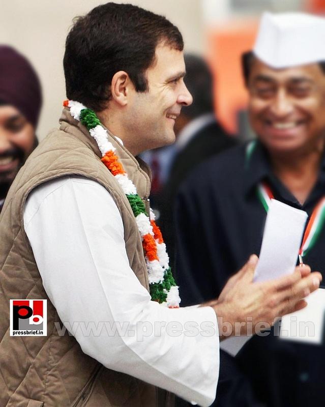 Rahul Gandhi at AICC session in New Delhi (5)