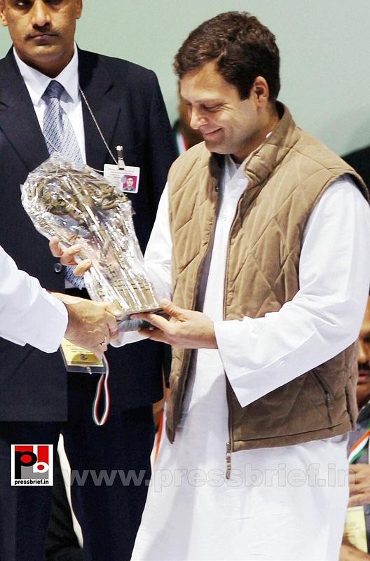 Rahul Gandhi at AICC session in New Delhi (16)