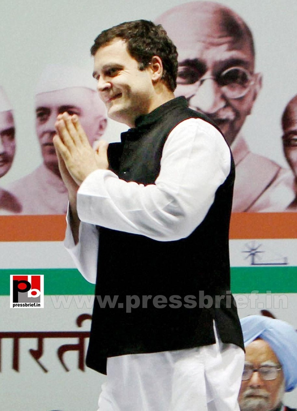 Rahul Gandhi at AICC session in New Delhi (27)